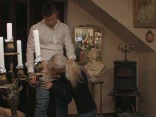 Mignonne blonde suédois ado et son boyfriend