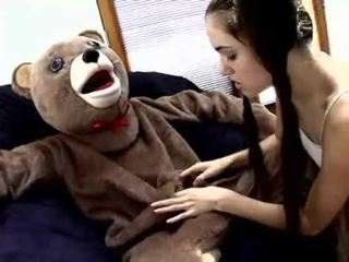 Sasha grey fucks një teddy ari