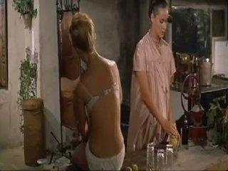 Brigitte bardot ليل heaven fell