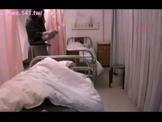 Seksi japonsko milf moans medtem being porked težko