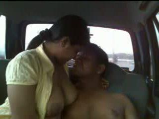 India paar auto seks video