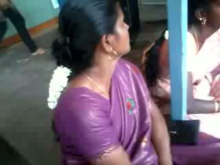 Σατέν μετάξι saree aunty, ελεύθερα ινδικό πορνό βίντεο 61