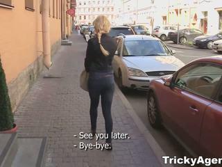 Tricky agent - khiêm tốn blondy turns đến được thực sự starving vì