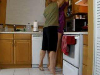Anya lets fiú fasz neki csintalan pina