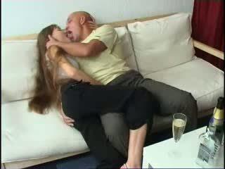 Getting pijani s daughters prijateljica video