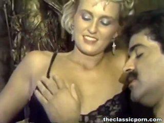 성숙한 men involving 큰 roosters screwing 성욕을 자극하는 female