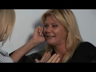 Nina, ginger & melissa - हॉट milfs में लेज़्बीयन encounters