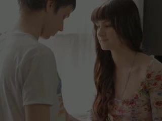 Söta tonårs mirabella i den orgasmen leading fan session