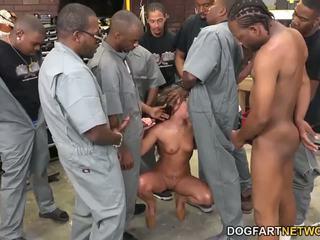 Amirah adara fucks an entire crew na černý guys