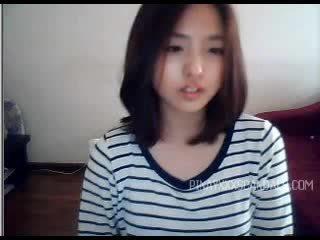 Gira jovem grávida asiática webcam