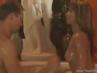 Blondynka loves do zrobić masaż