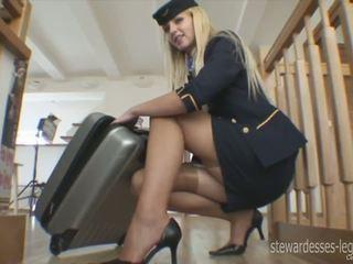 Leggy stewardessen erica