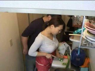 ibu rumah tangga, dapur, xvideos