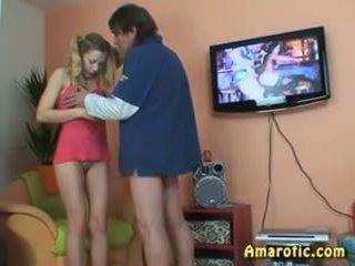 Oud man - jong meisje: gratis tiener porno video- 13