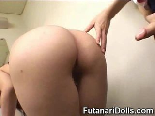 Futanari cums na uczennica!