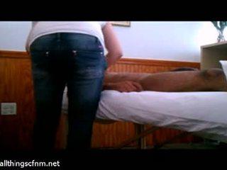 Plný masáž leads na obrovský kokot robenie rukou relief