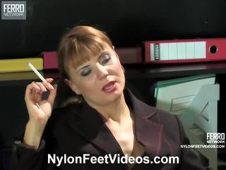 tôn sùng chân, trữ tình dục, nylons feet