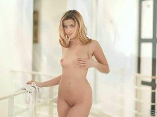Porno žvaigždė abigaile johnson nailed