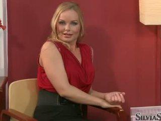 Carmen croft takes ei raiment de pe în thowdys interviu