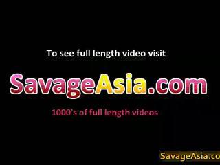 Sexy asiatisk tenåring stripping