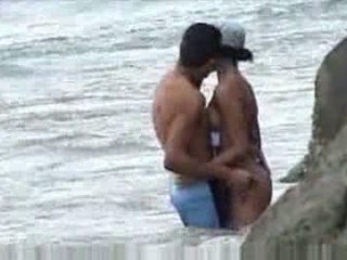Kurang ajar at pantai baecause thought nobody was looking video