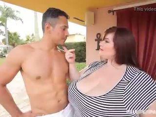 Velika tit bbw lexxxi luxe fucks the latino gardner