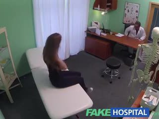 Fakehospital seksi 20s gymnast seduced oleh dokter dan given tetesan sperma di itu ujian tabel