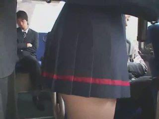 Japanilainen haparoi bussi bukkake