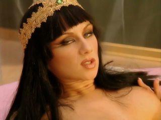 Cleopatra 1-1: ελεύθερα πρωκτικό hd πορνό βίντεο 39