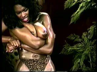 Ebony Ayes King Savage