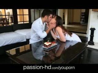 Passion-hd 18yo gets překvapení birthday