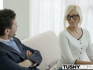 Tushy 熱 秘書 kate england gets 肛門 從 客戶
