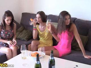 Dehors baise avec alcoolisée fac filles