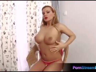 Preciosa dorothy negra masturbate a orgasmo