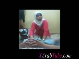 Hijab kohout masáž