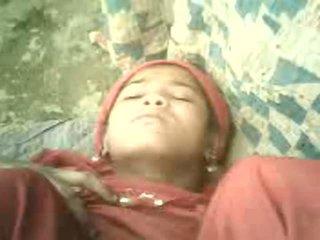 Northindian vajzë got qirje me të saj co-worker në tent
