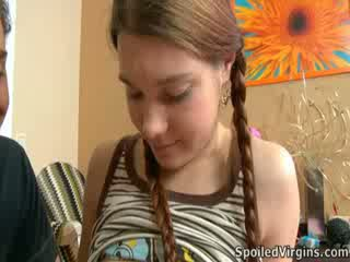 Nina liked hogyan a diák playeed -val neki mellbimbók.