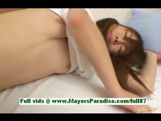 Ami hinata nga idol69 e adhurueshme japoneze vajzë në krevat gets të saj pidh licked
