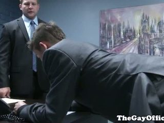 Gaysex sef spanks și fucks tw-nk assistant