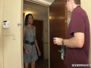 口交 在 該 旅館 室