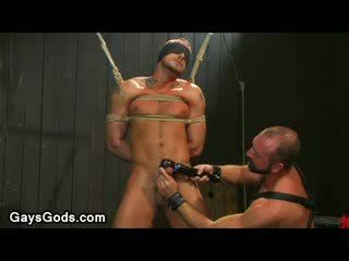 Tied ขึ้น และ ปิดตา เกย์ gets ของเขา หำ vibed