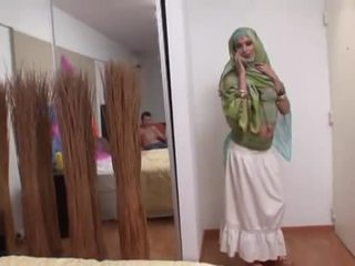 India abielunaine rides a paks riist sügav sisse tema suu
