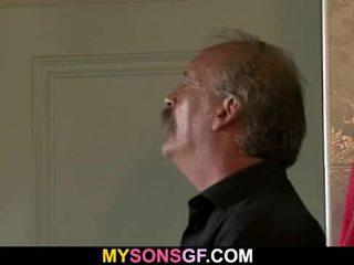 Slutty gf sucks і rides старий пеніс