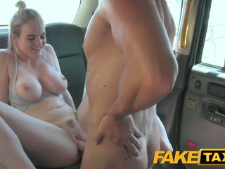 Faketaxi cabby has beginners luck επί ξανθός/ιά
