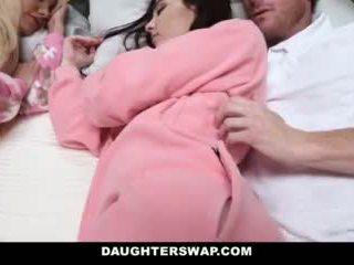 Daughterswap - daughters ระยำ ในระหว่าง slumberparty
