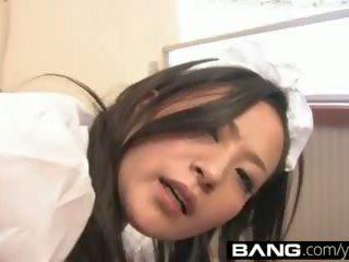 Bang.com: rallig japanisch mädchen erhalten railed