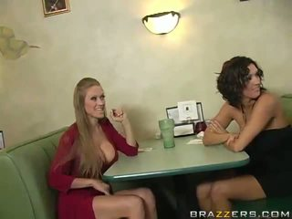 Abby rode και dylan ryder αποπλάνηση ένα waiter και μοιράστε του python
