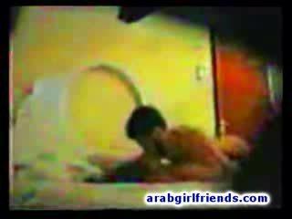 Arab thug hides đến tape của anh ấy nghịch ngợm intercourse với nóng bạn gái