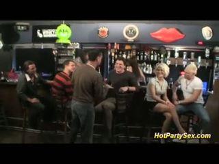 Груповий секс на the cocktail бар