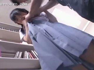 خجول الآسيوية الطالبة أو مختلط getting كس رطب في لها